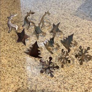 Set of (12) Christmas Napkin Rings.